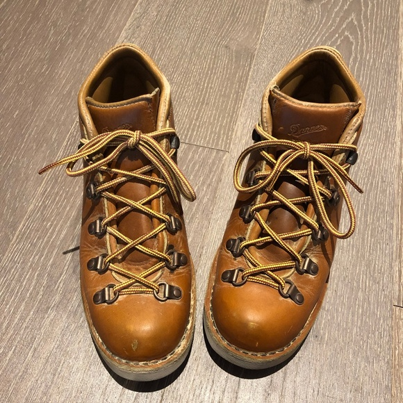 1839b6286 Danner Shoes - Danner Tramline Boots Size 9 Womens